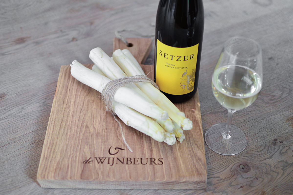 Witte asperges Setzer Gruner Veltliner