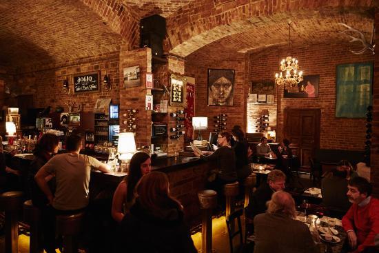 Wine Bar Doblo